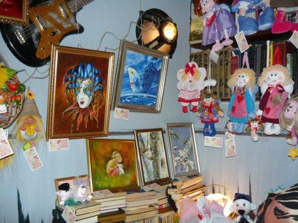 картины и игрушки