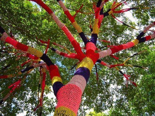 обвязанное дерево