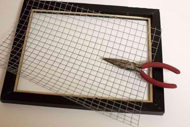 Подставка для серег из рамки своими руками
