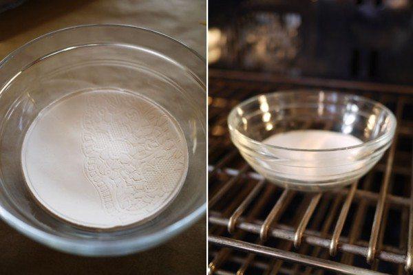 ставим блюдце из полимерной глины в духовку