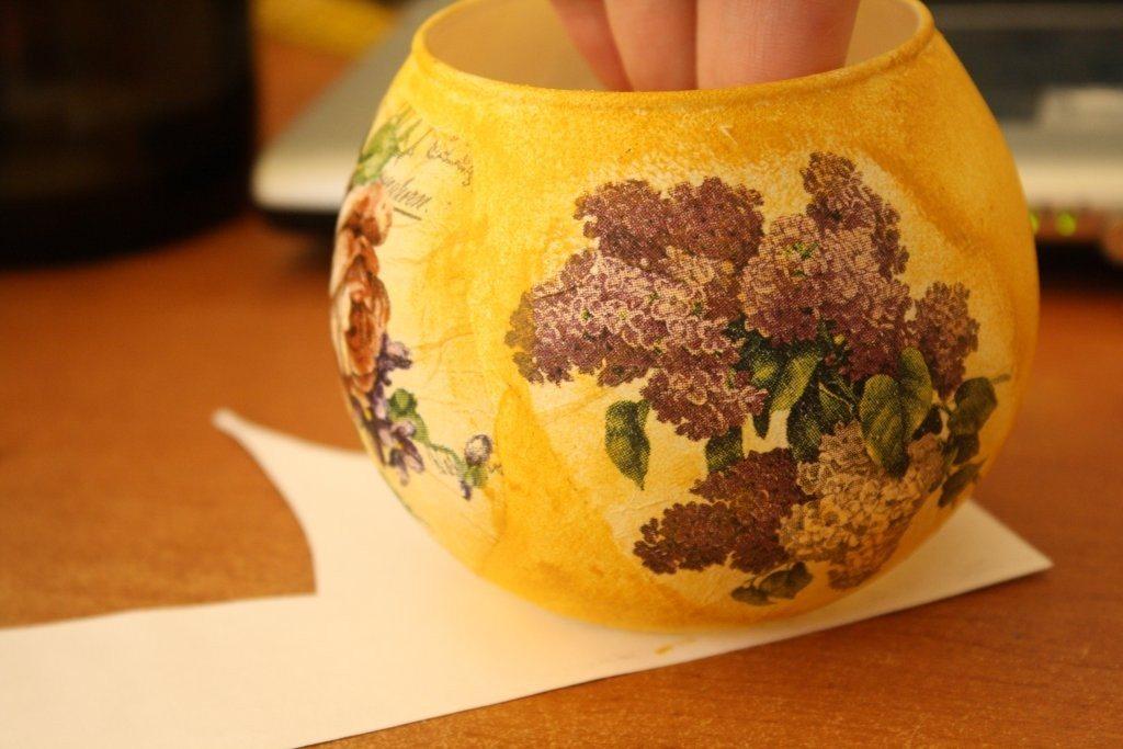 ваза со стороны сирени