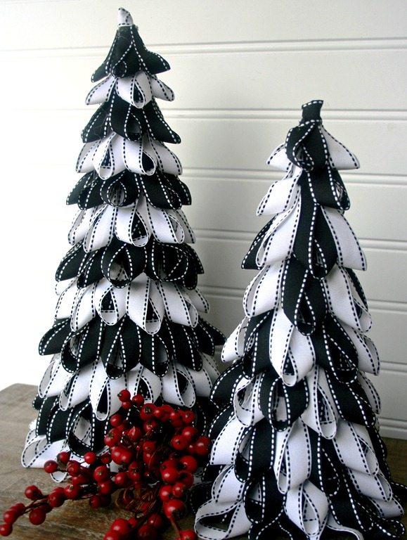 Новогодние елки своими руками из ленточек