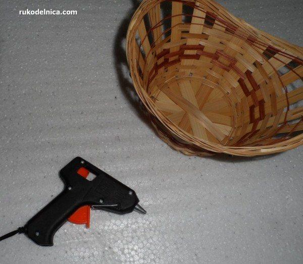 готовим корзину для конфетного букета
