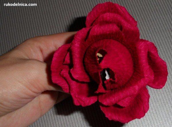 выравниваем лепестки конфетного цветка