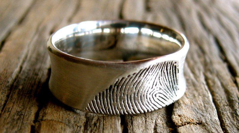 Кольцо с отпечатком пальца любимого человека