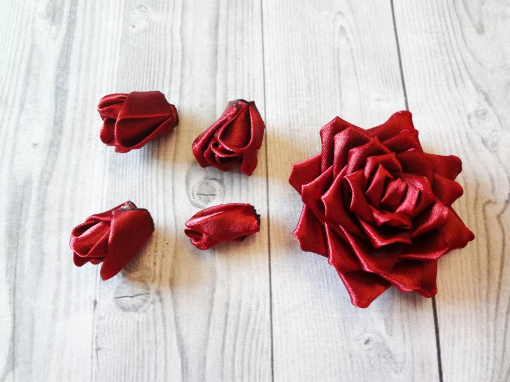 роза канзаши из ленты