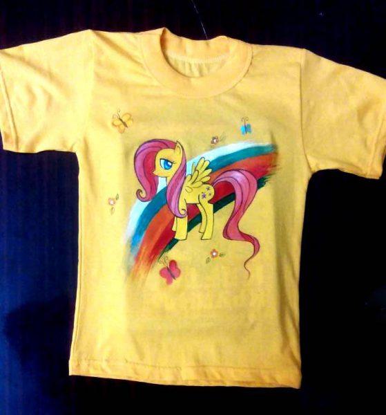футболка с нанесенным рисунком